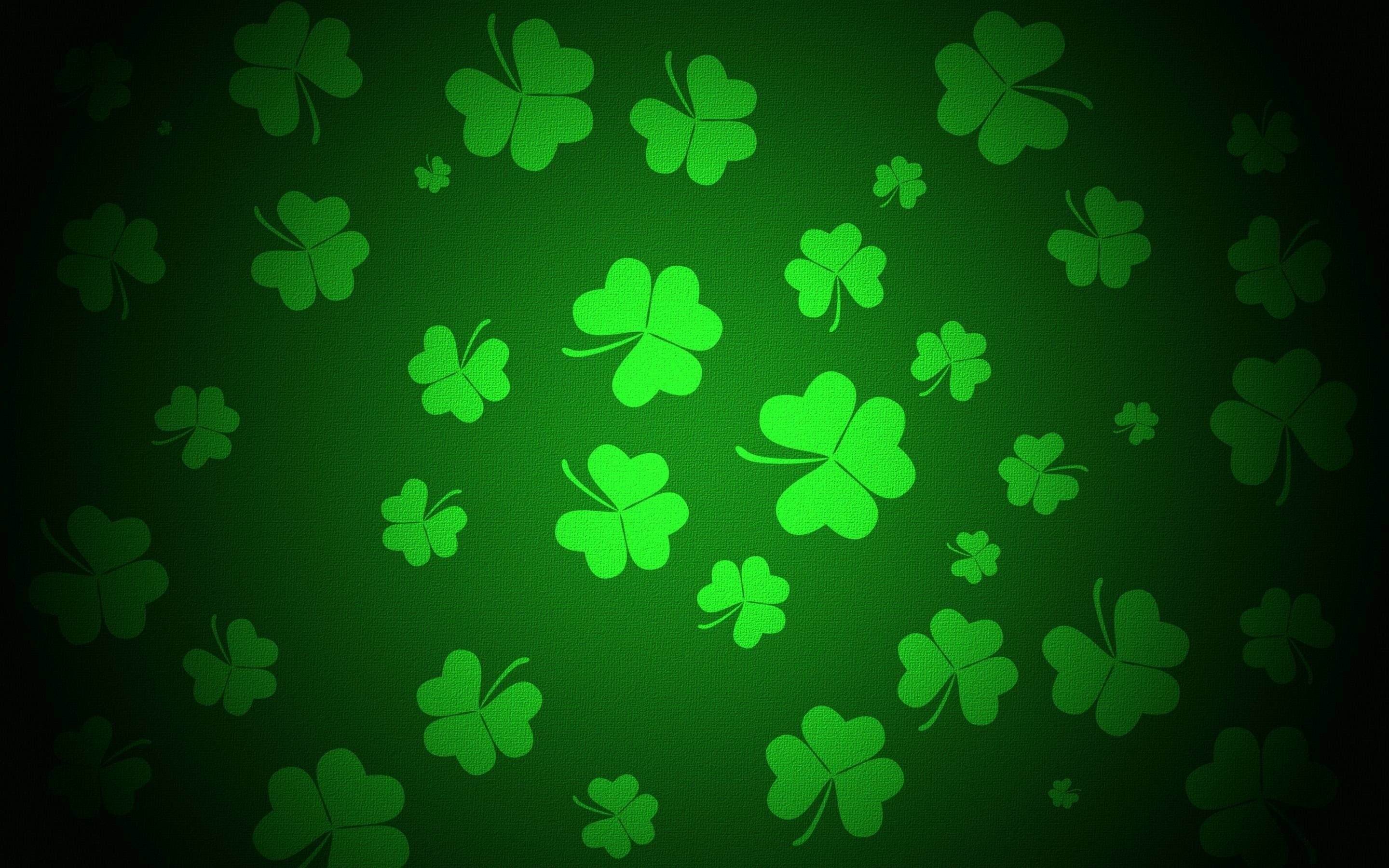 2880x1800 62+ Lucky Charm Wallpapers on WallpaperPlay