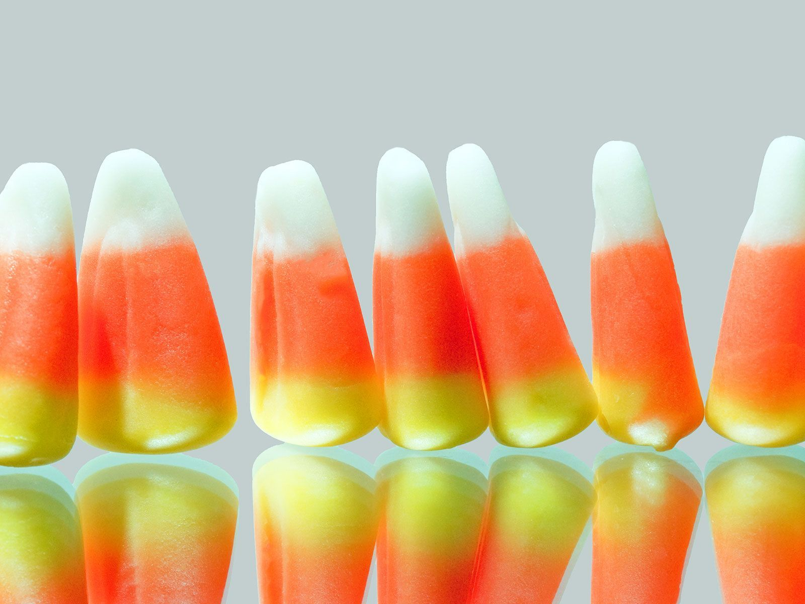 1600x1200 This Candy Corn Domino Rally Finally Puts the Controversial ...