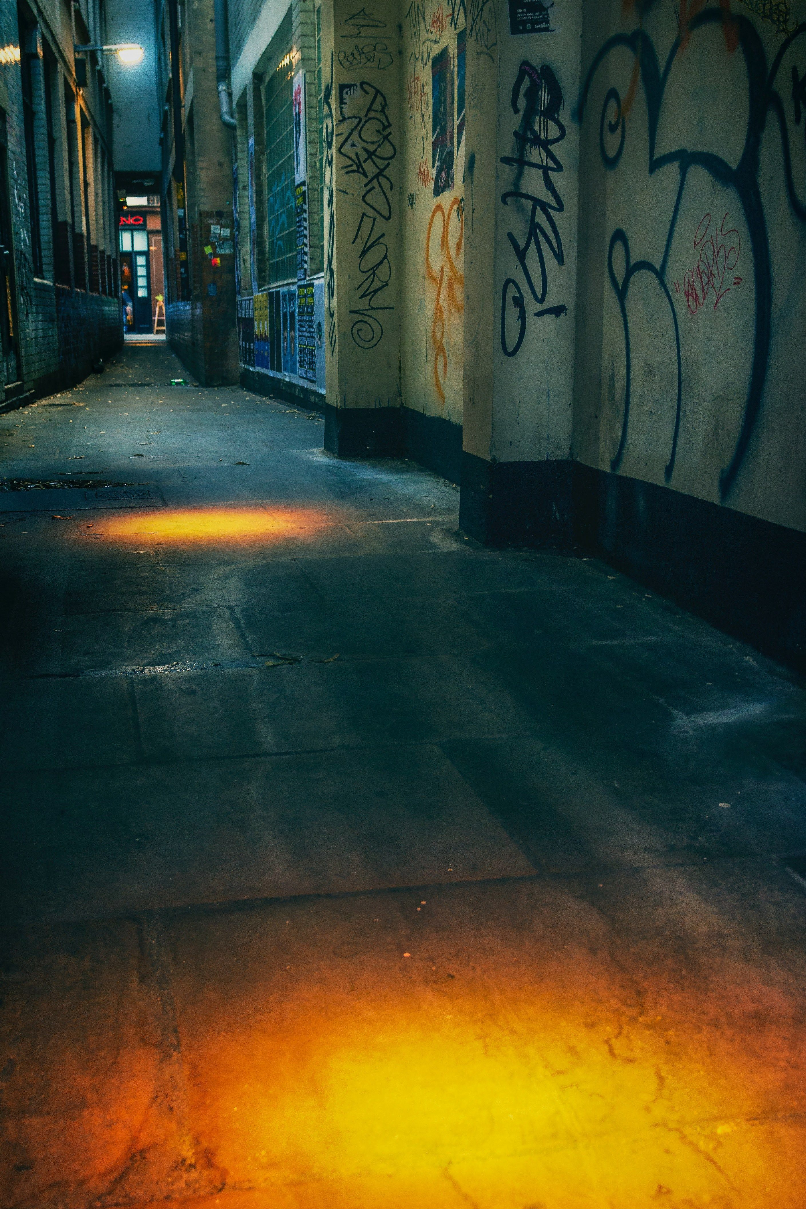 2817x4224 graffiti london soho and alley hd wallpaper and background