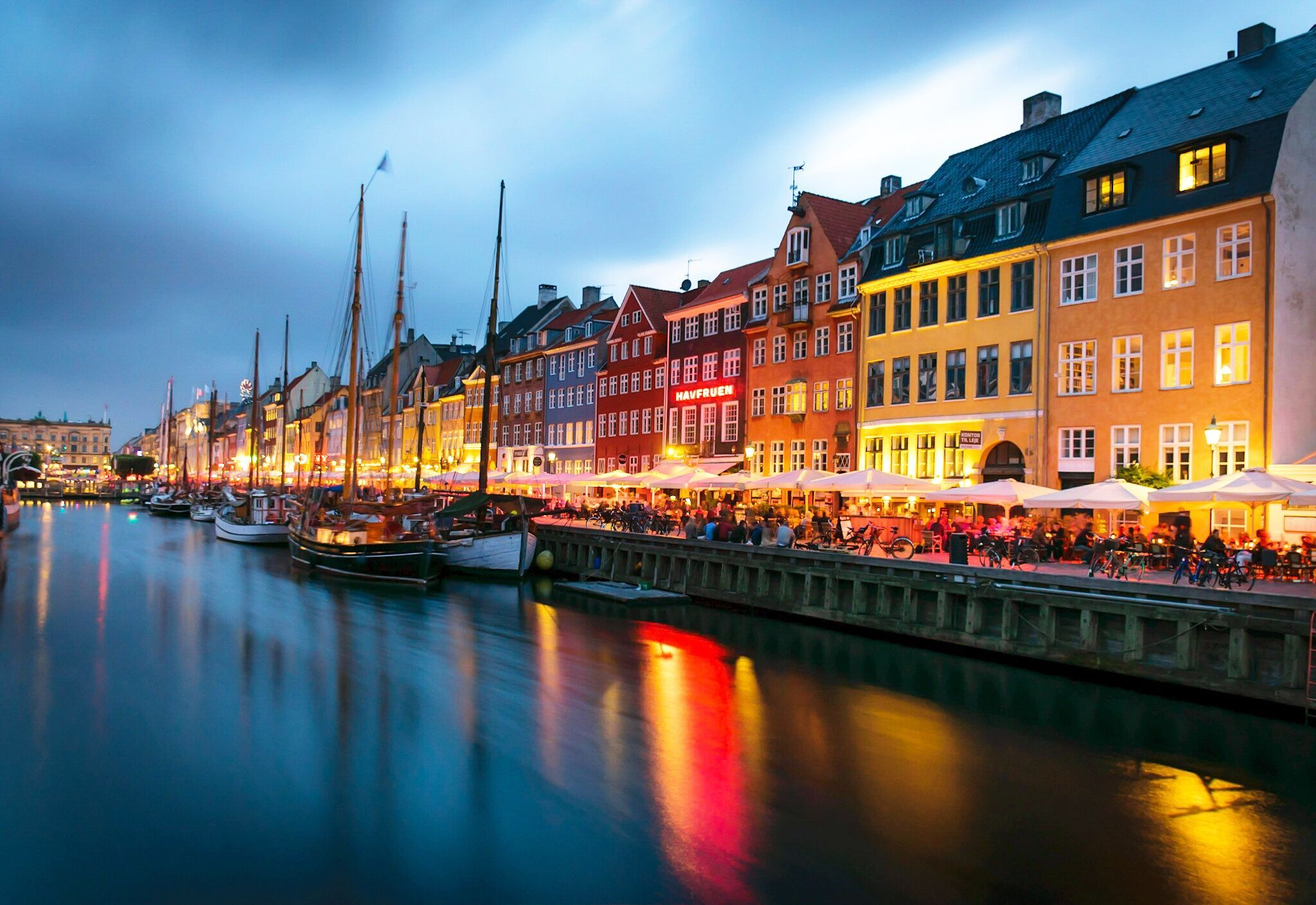 2048x1409 Nyhavn Copenhagen [5817 x 4000] | Wallpaper pc in 2019 ...