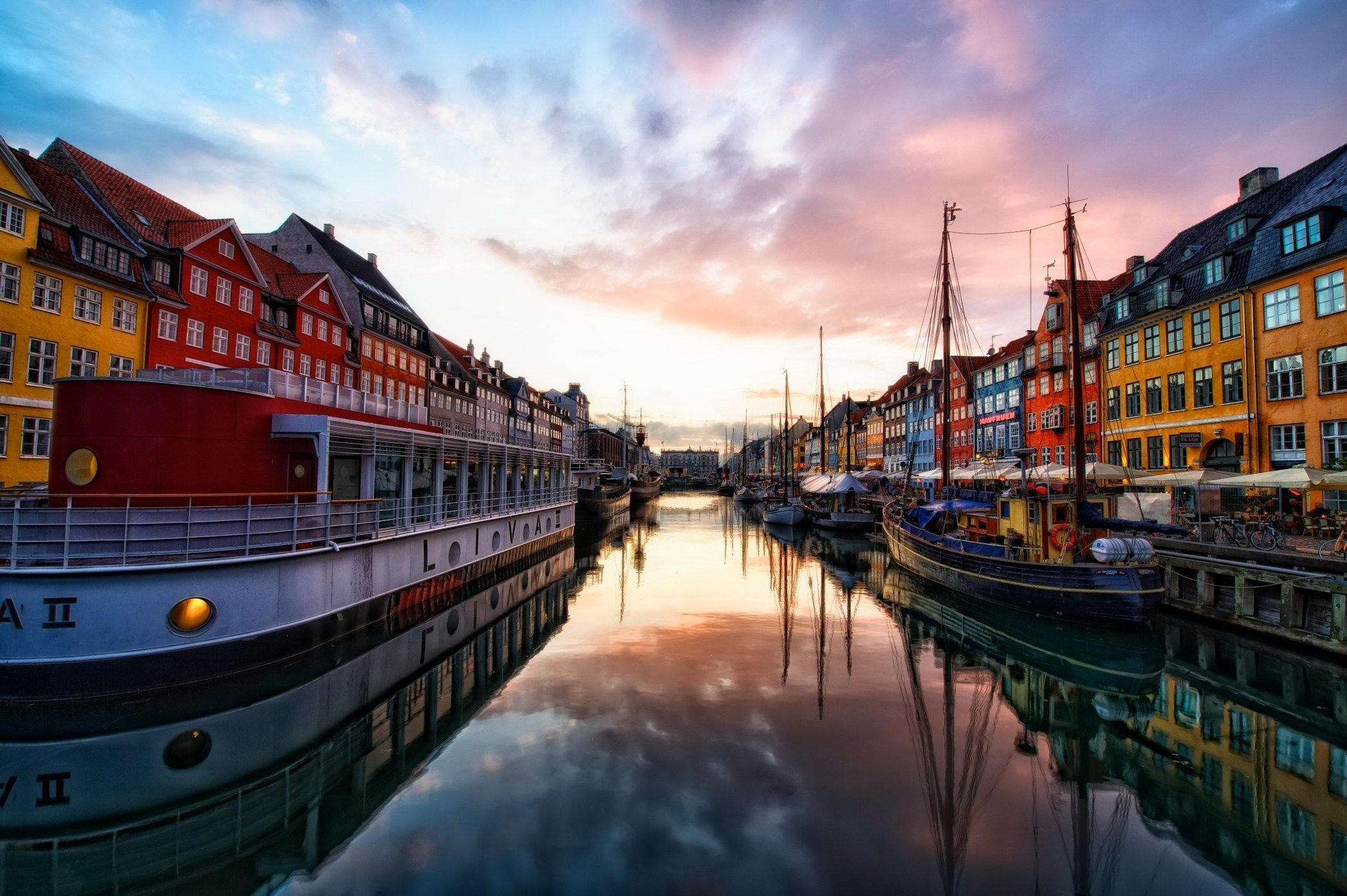 2101x1398 Colorful Houses Copenhagen Wallpaper - HD Wallpapers