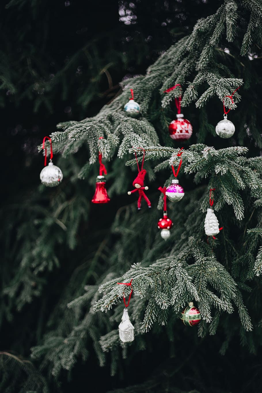 910x1365 HD wallpaper: Old-fashioned Christmas tree ornaments ...