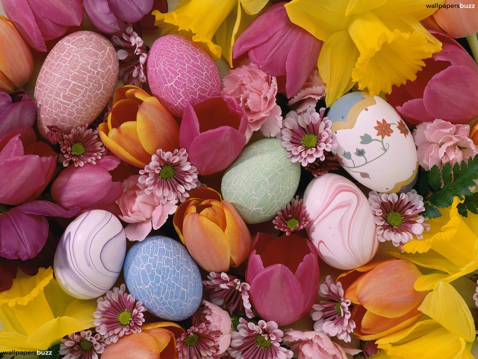 1600x1200 Easter eggs and flowers HD Wallpaper