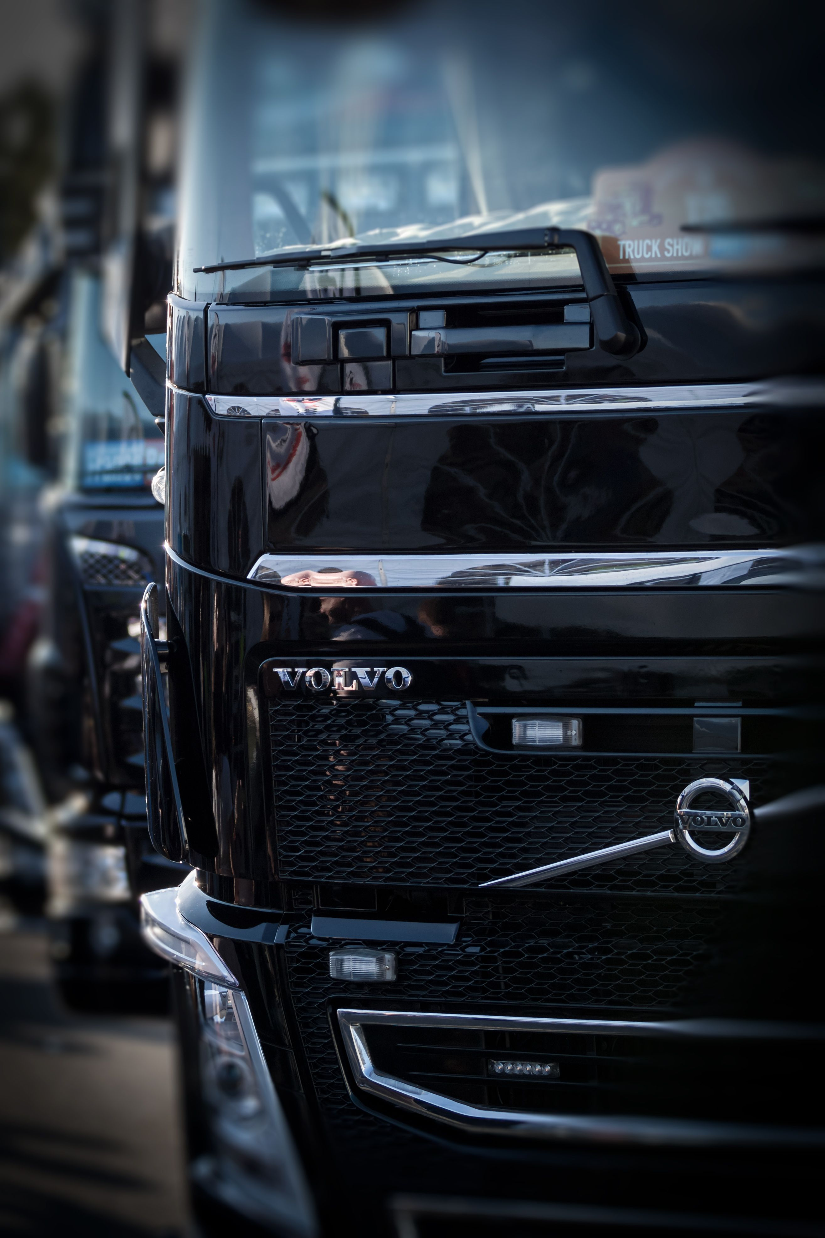 2629x3944 Volvo Wallpapers - Free High Resolution Trucks Backgrounds ...