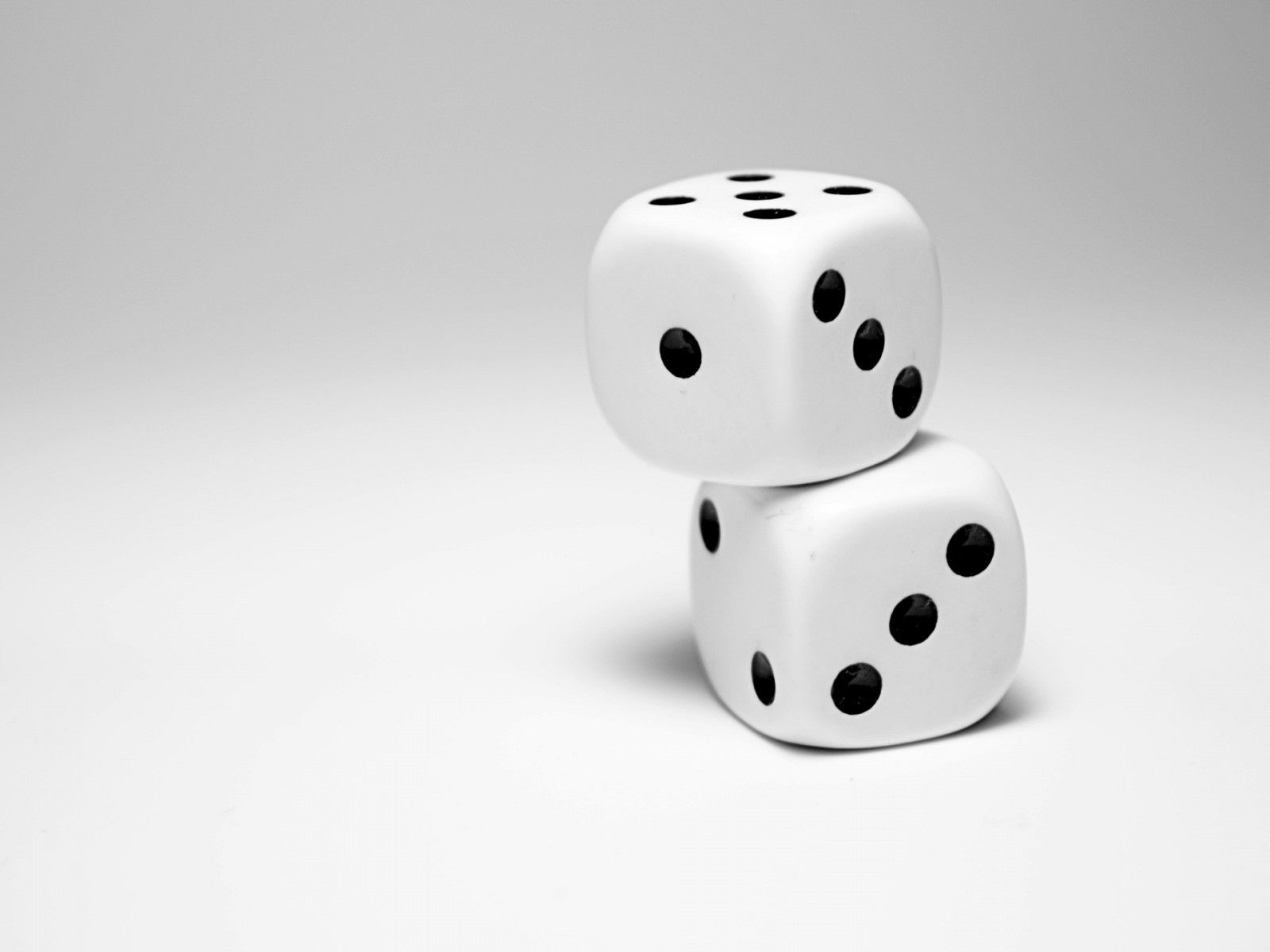 1600x1200 Dice Wallpaper and Background Image | 1600x1200 | ID:459548 ...