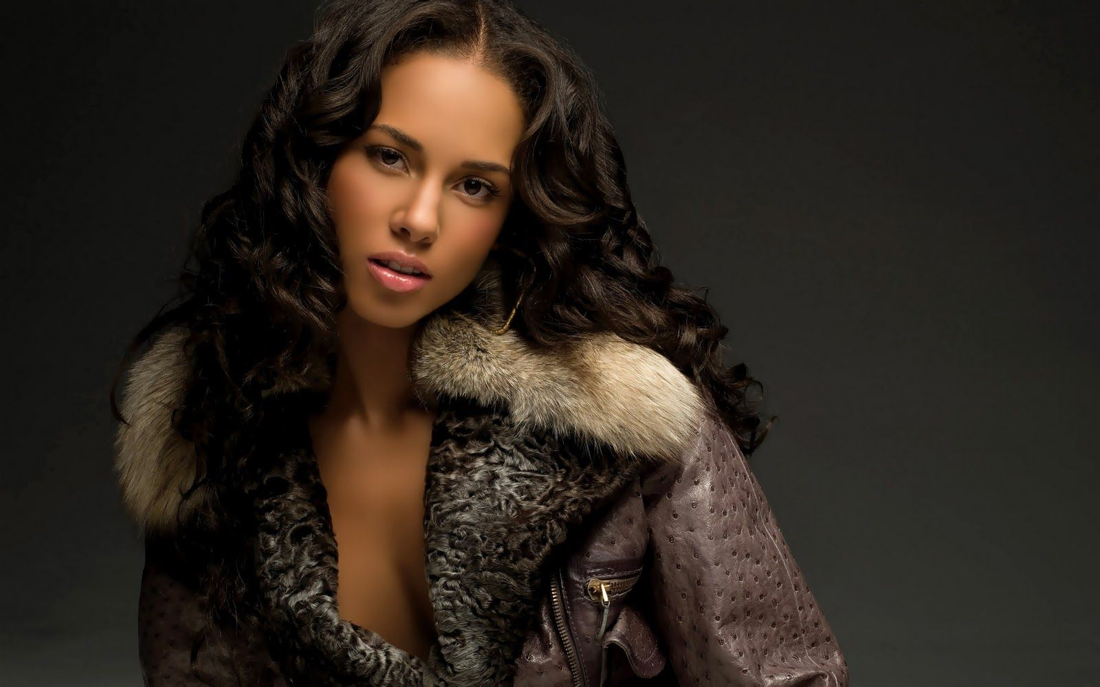 1600x1000 Alicia Keys Wallpaper - Best HD Desktop Wallpaper