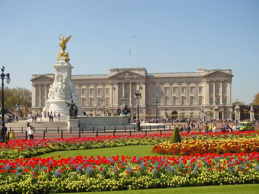 1024x768 Buckingham Palace Majestic HD Wallpapers Gallery Free Download