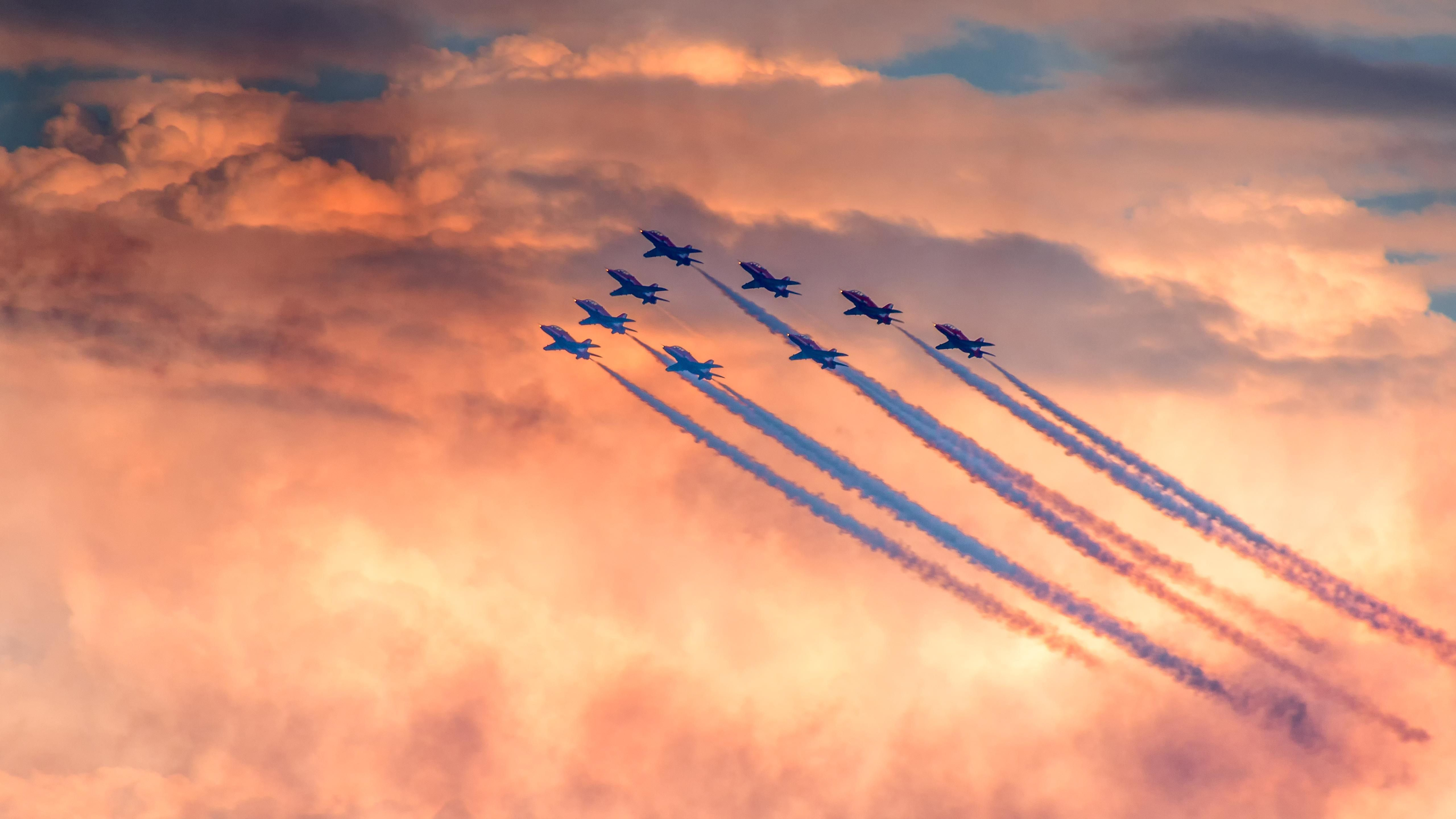 5120x2880 Pin by WallpaperLive on 4K Wallpapers | Air show, Computer ...
