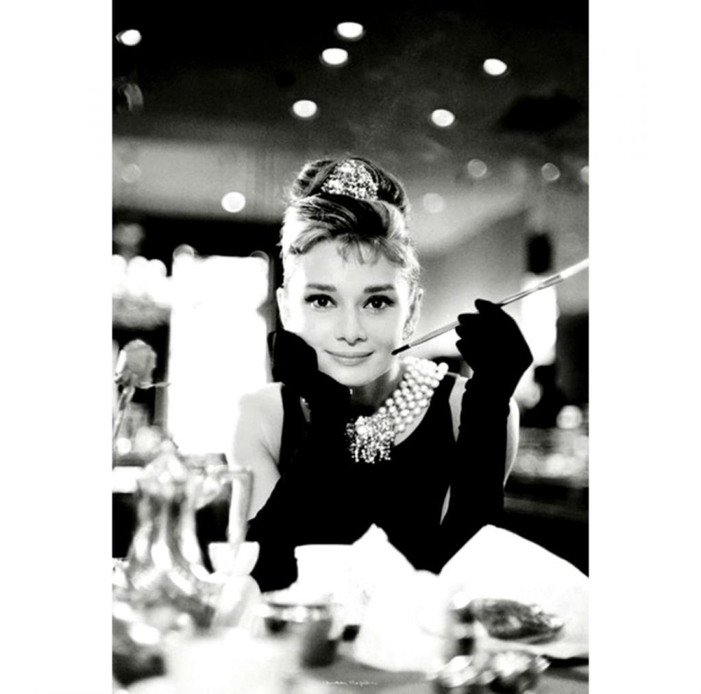 1023x1012 Breakfast At Tiffanys Wallpapers   One Wallpapers