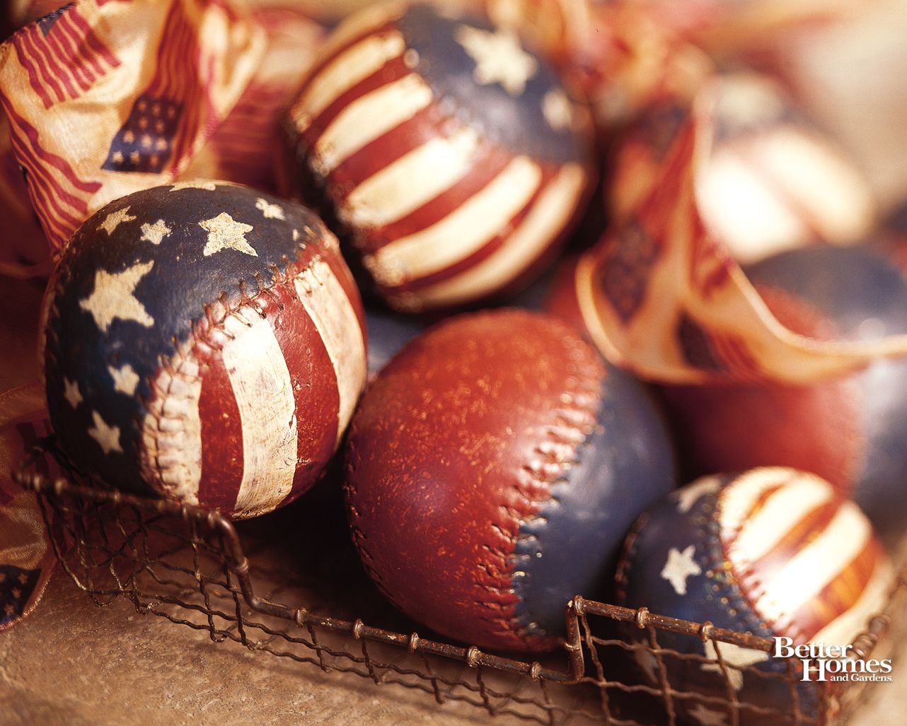 1282x1027 Paint old softballs/baseballs - cute center pieces for 4th of July ...