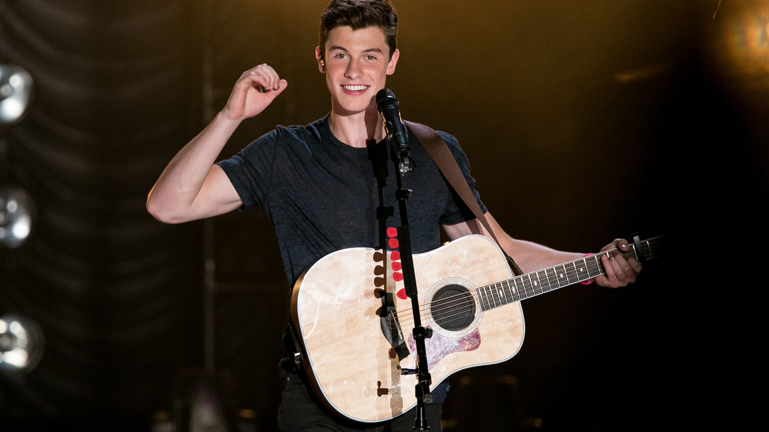 2560x1440 Shawn Mendes Wallpapers Hd