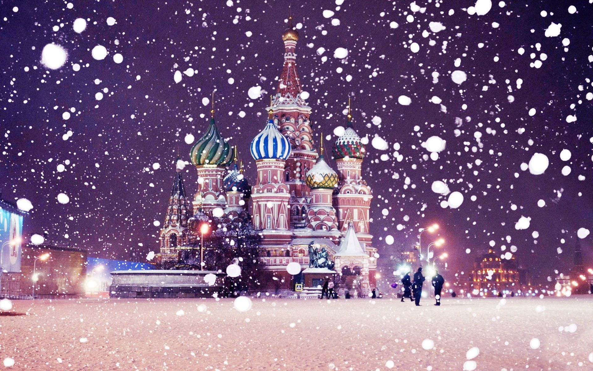 1920x1200 Winter: Snowing St Basils Cathedral Russian Krelim Snow Winter Night ...
