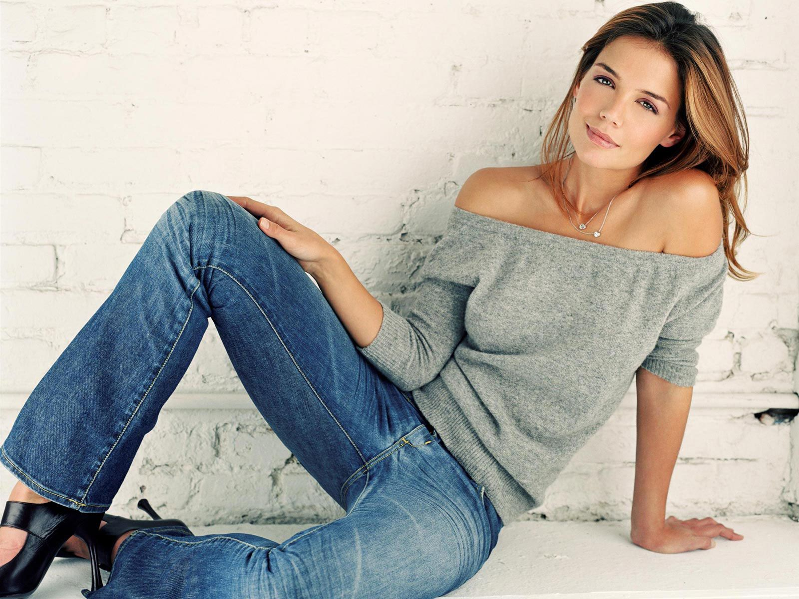 1600x1200 Katie Holmes Phone Booth Wallpapers | Wallpapers HD