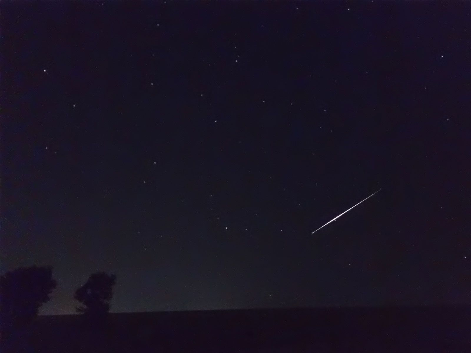 1600x1200 How to Shoot a Meteor Shower with Your iPhone | Life In LoFi