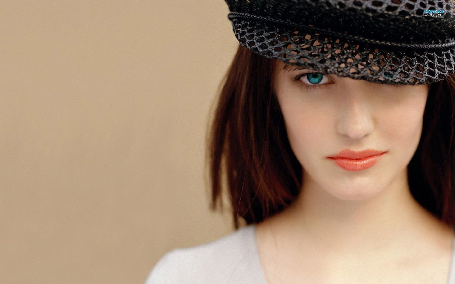 1920x1200 Eva Green in Cap with Red Lips | HD Wallpapers