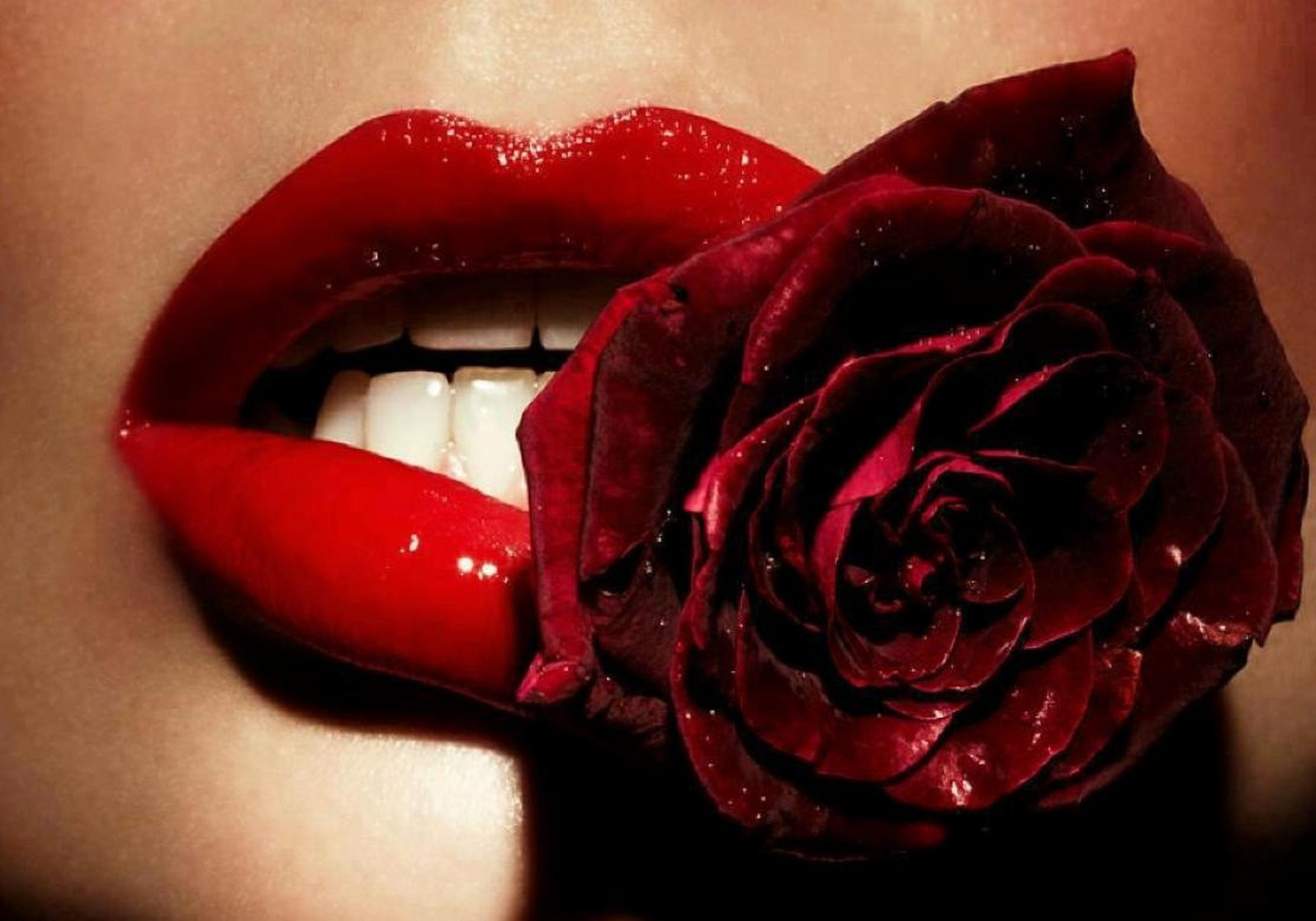 2224x1556 Red Lips Wallpapers (73+ images)