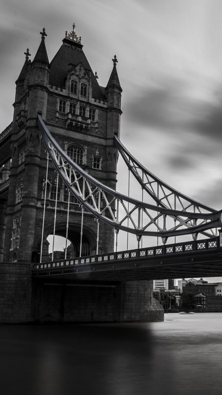 750x1334 London Black And White Wallpapers Group (72+)