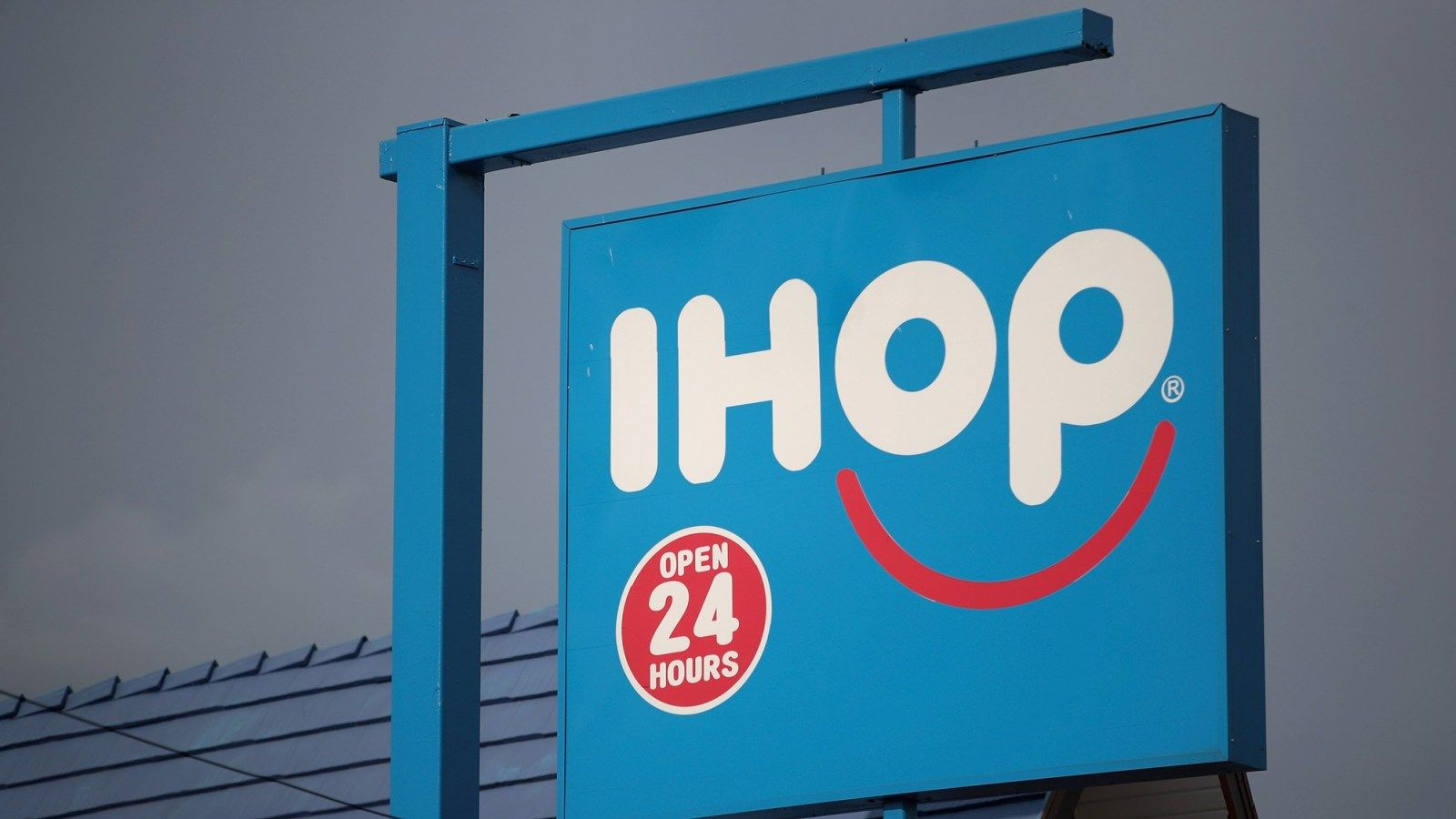 1600x900 IHOP Debuts Grinch-Themed Menu With Green Pancakes