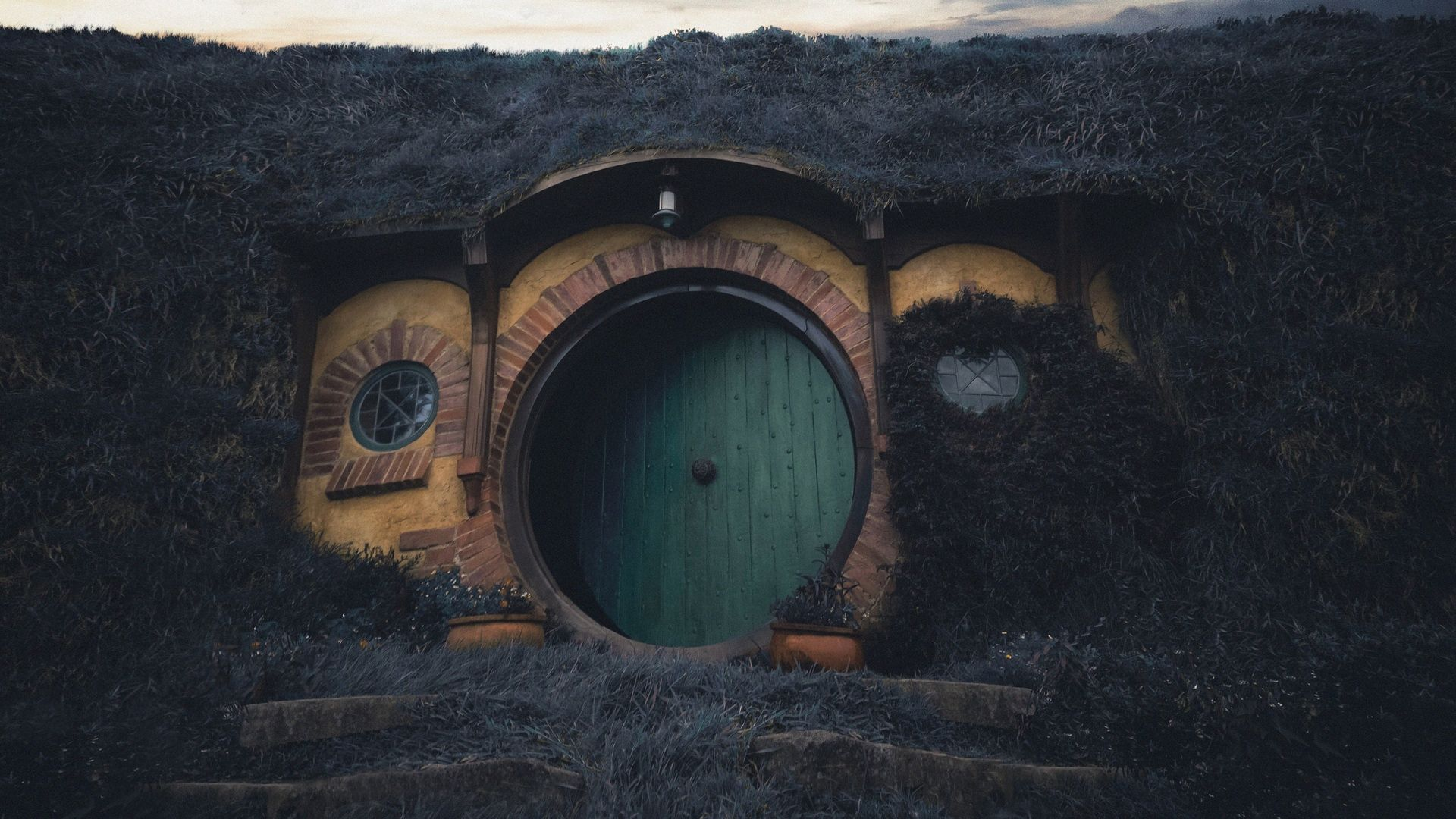1920x1080 Download wallpaper 1920x1080 building, door, hobbiton movie set, new ...
