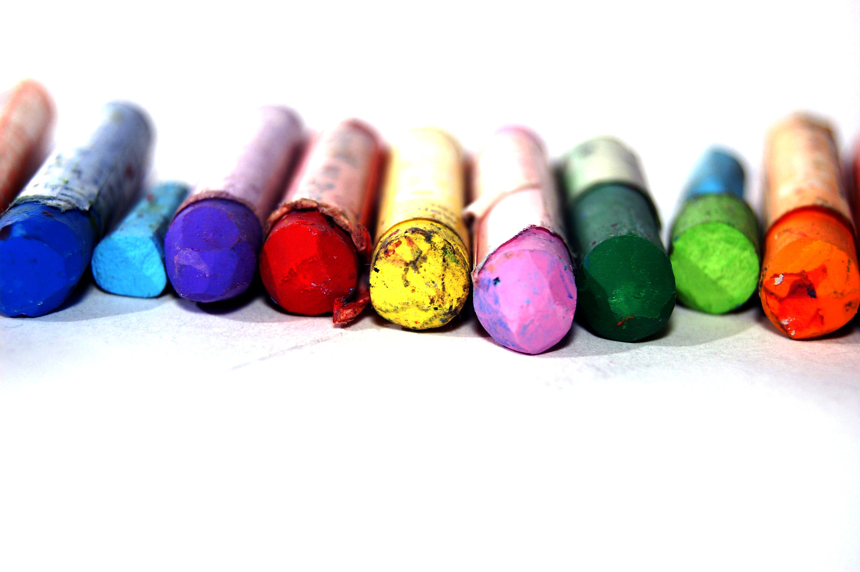 3008x2000 Crayons Wallpapers High Quality | Download Free