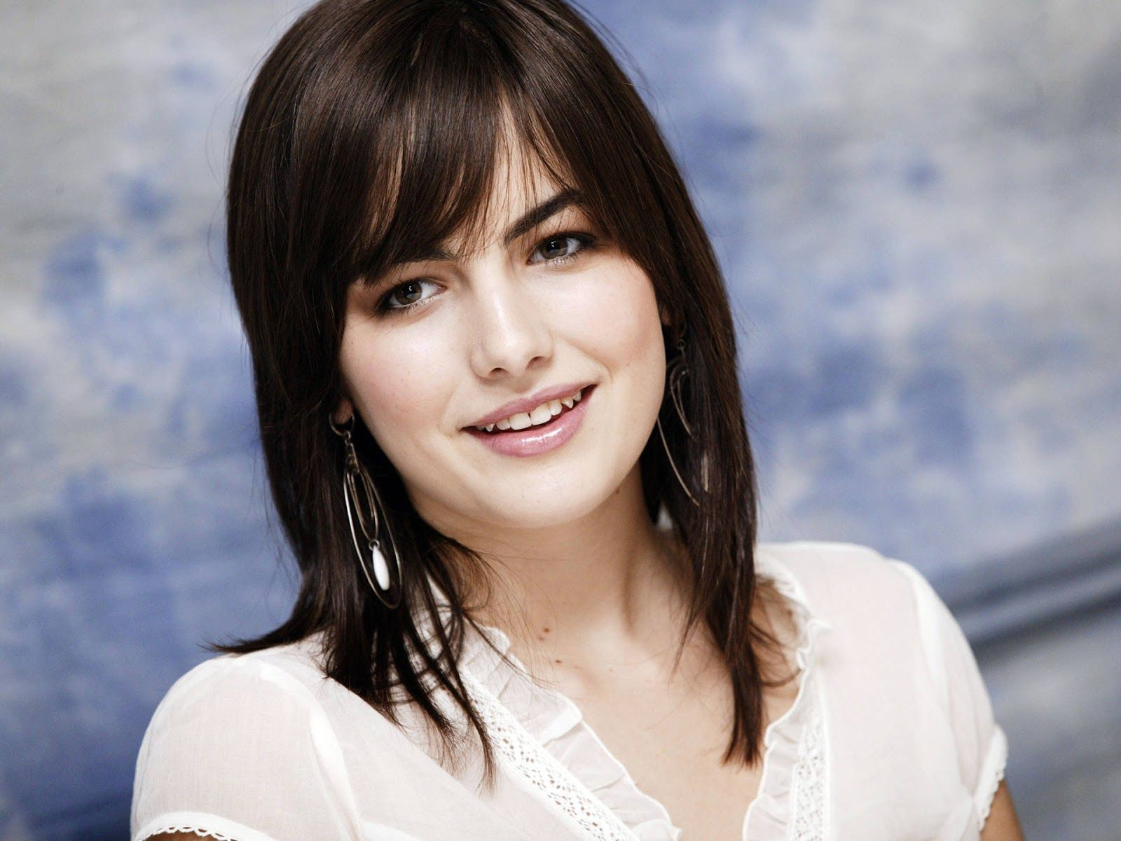 1600x1200 Camilla Belle Hollywood Actress Latest Hot Hd Wallpaper 2013 ...