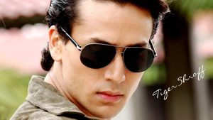 Bollywood Hero Wallpapers – Top Free Bollywood Hero Backgrounds