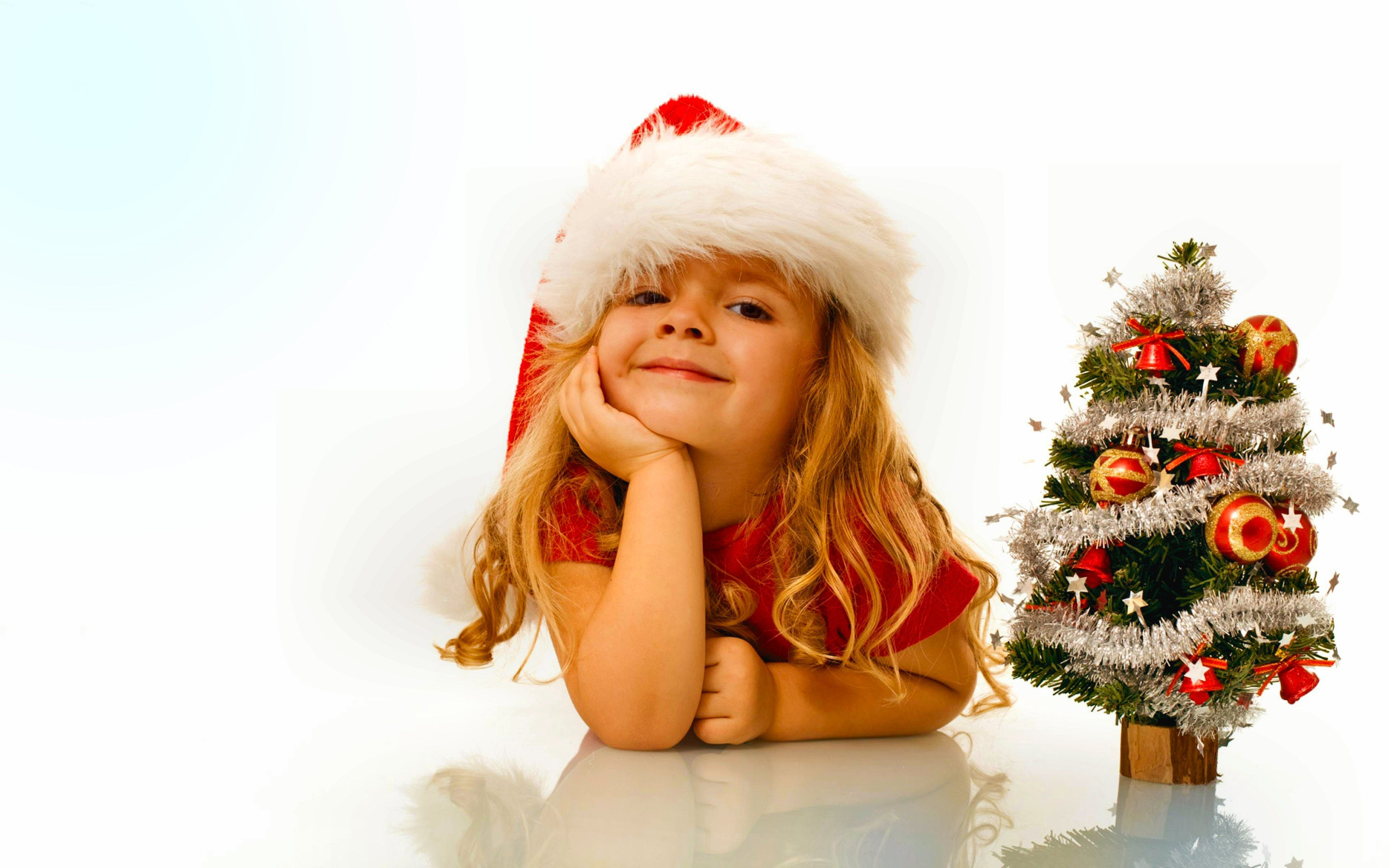 3840x2400 665 Christmas Tree HD Wallpapers   Background Images - Wallpaper Abyss