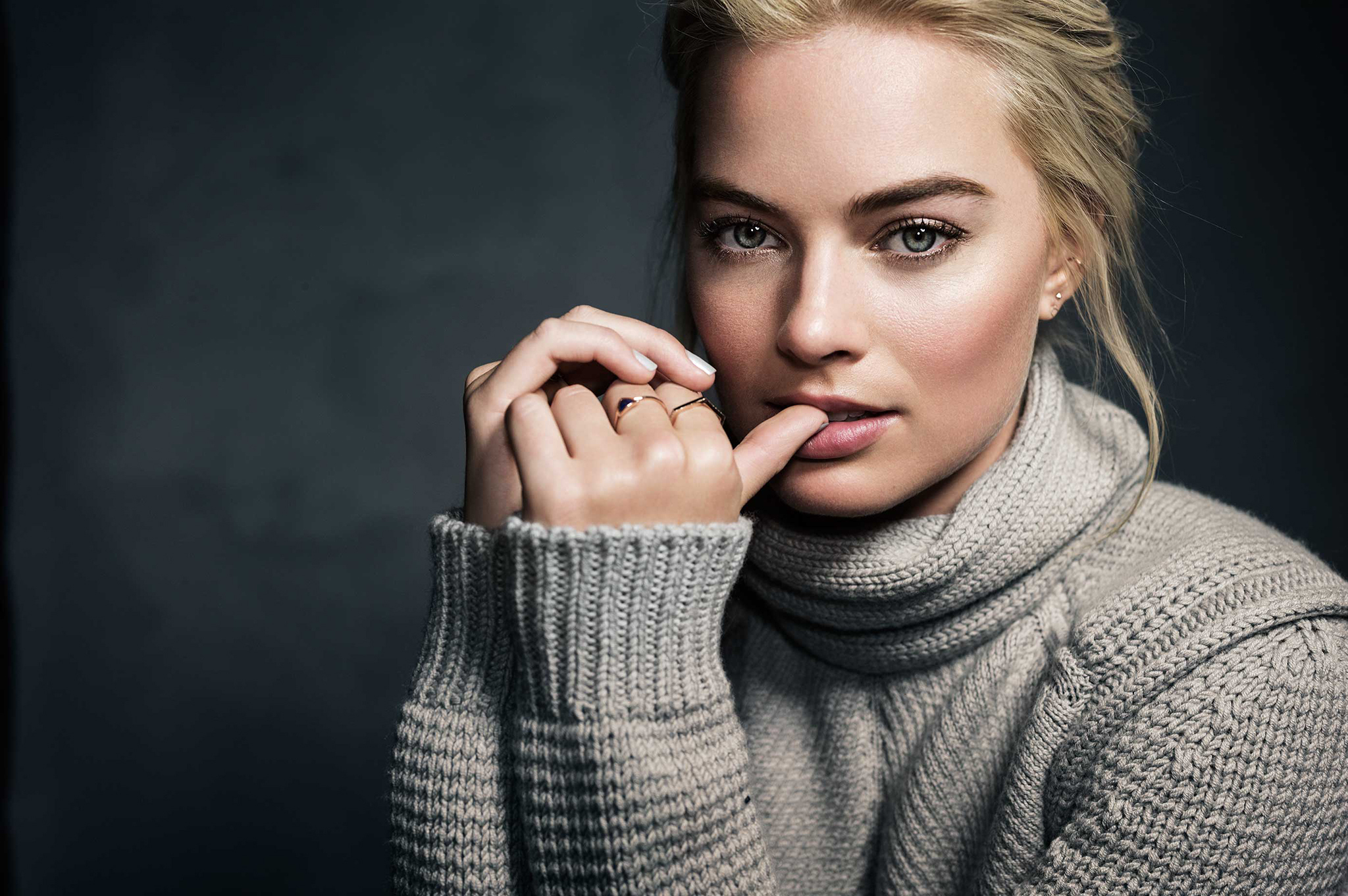 2048x1361 Margot Robbie Wallpapers, Pictures, Images