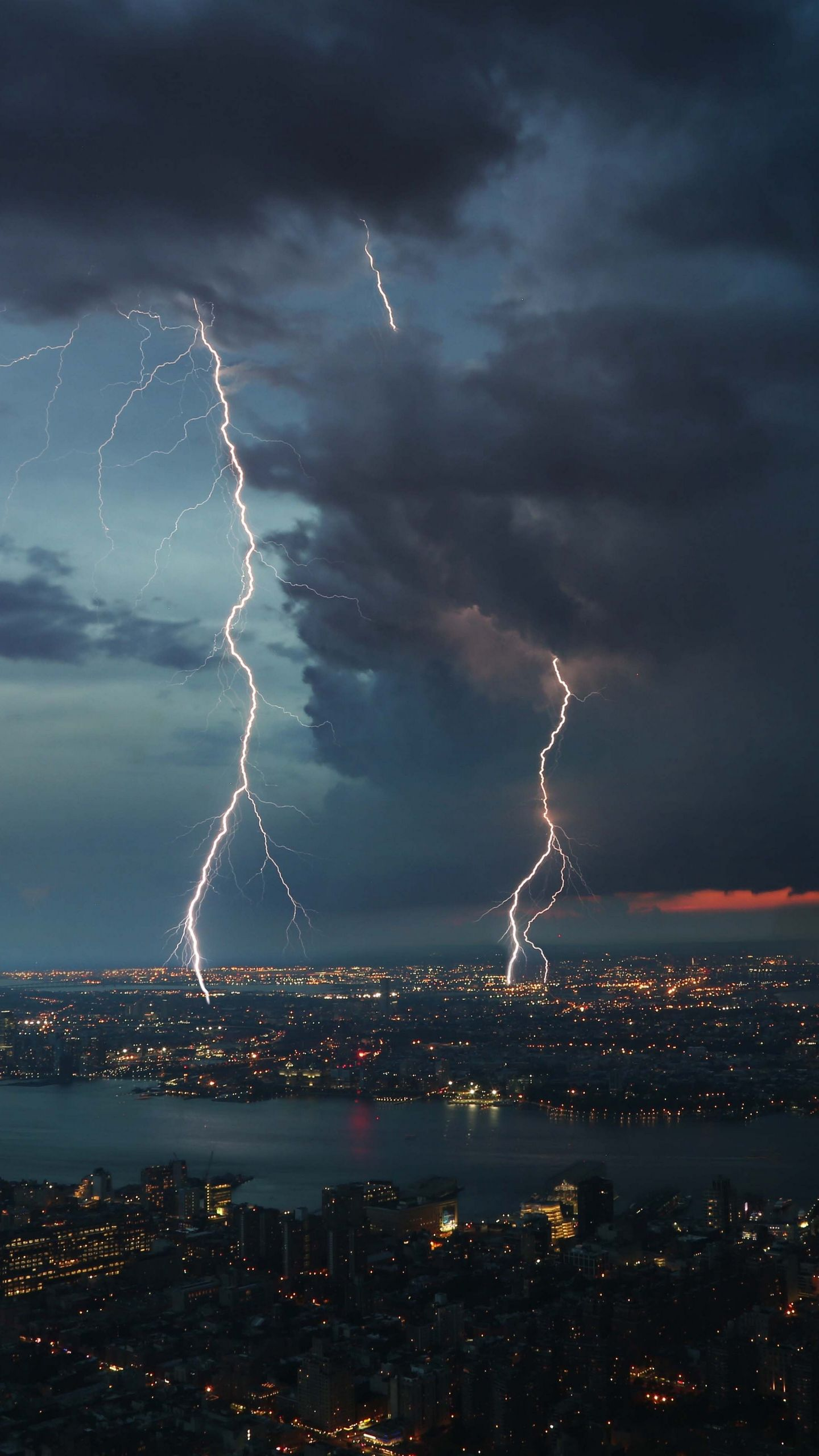 1440x2560 Download wallpaper 1440x2560 thunderstorm, city, sky, overcast qhd ...