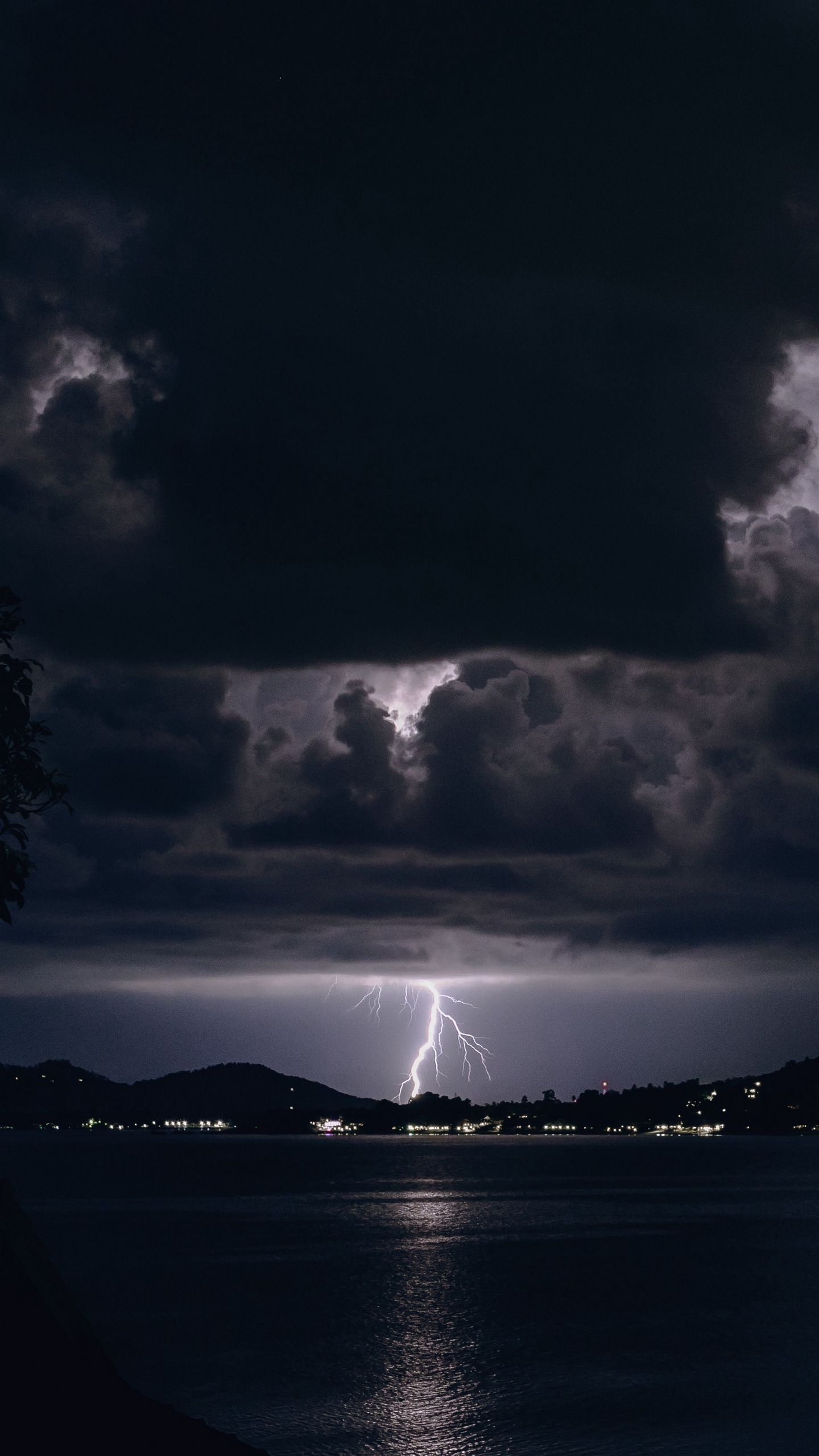 1440x2560 Download wallpaper 1440x2560 lightning, night, overcast, clouds ...