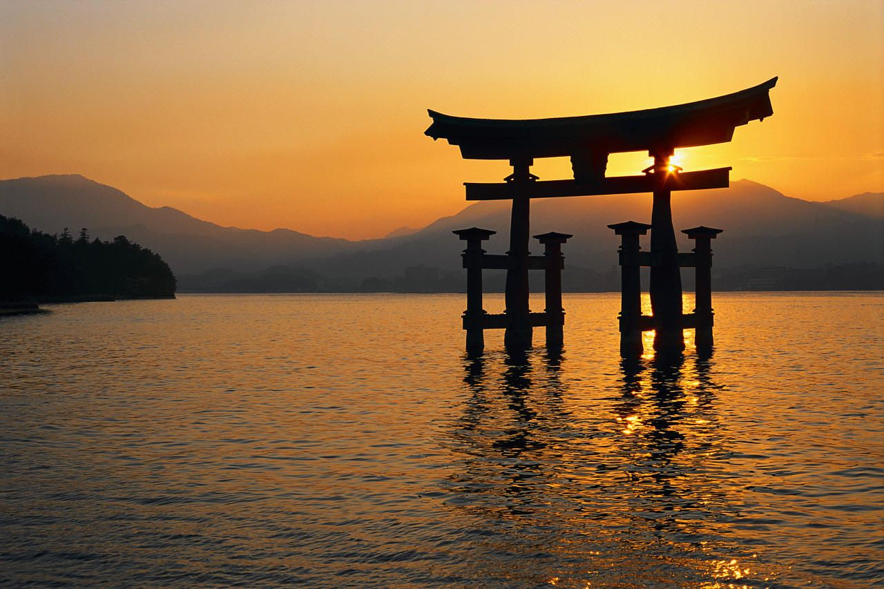 1280x853 Itsukushima Shrine Wallpaper | 1280x853 | ID:29858 - WallpaperVortex.com