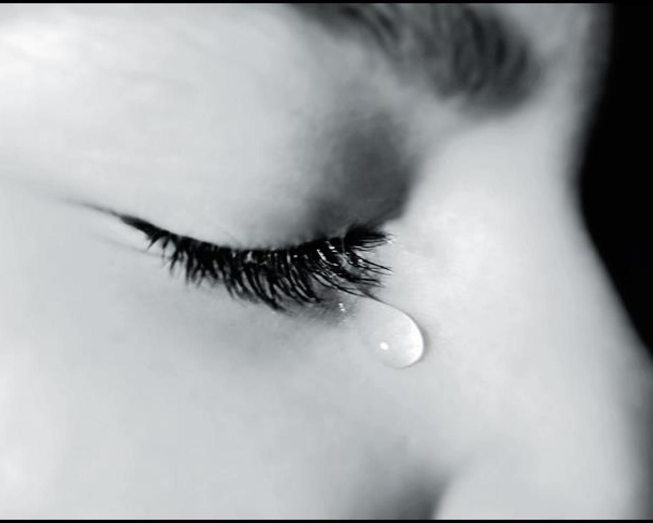 1280x1024 Tears In Eyes | Desktop Backgrounds