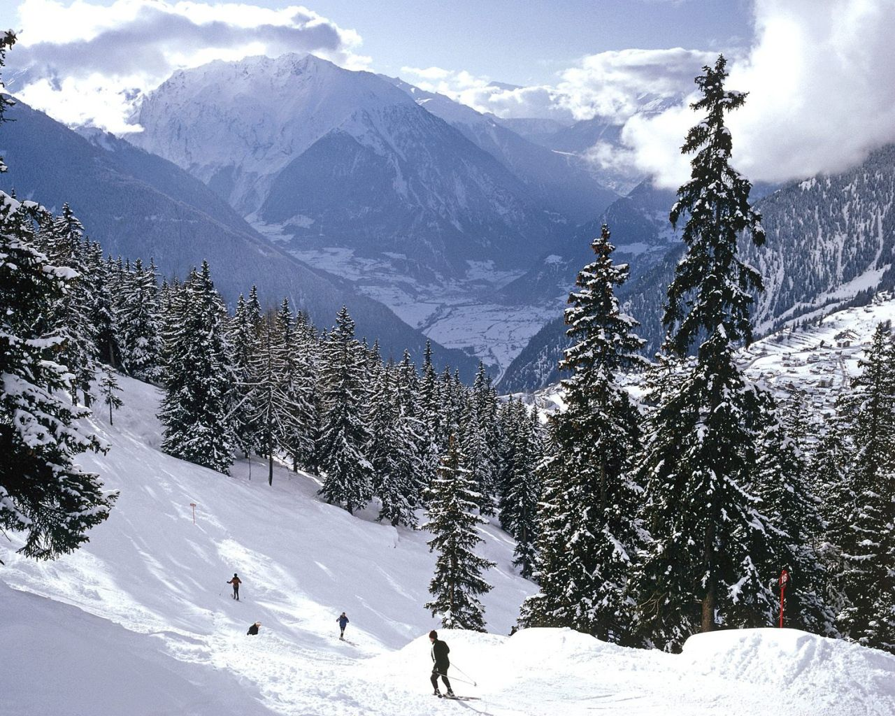 1280x1024 ❦ Skiing in the Swiss Alps. | Oh, The Places You Will Go ...