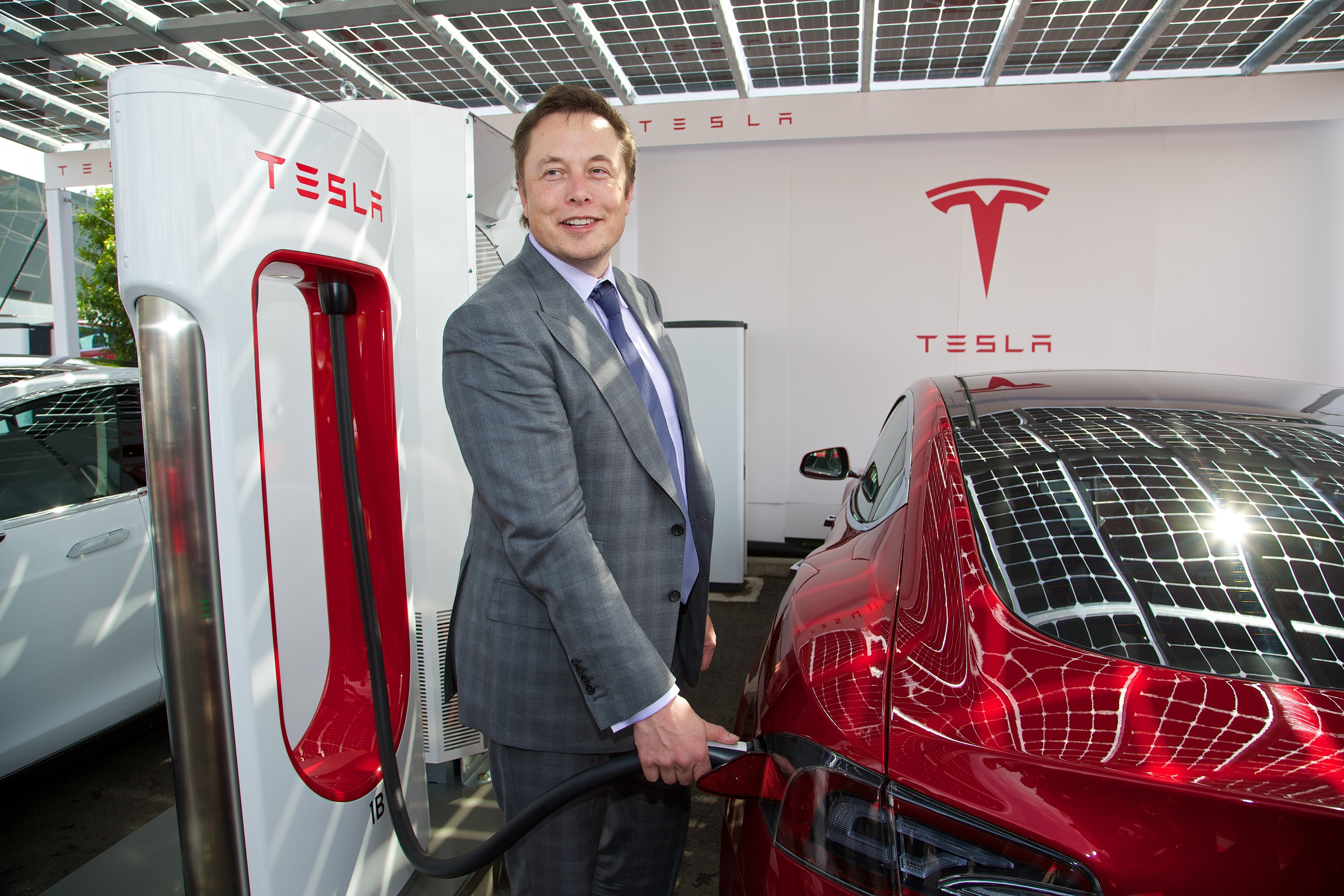 2880x1920 Elon Musk Wallpapers Images Photos Pictures Backgrounds